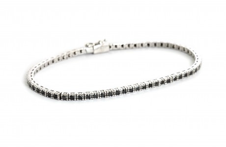 18K white gold bracelet set with black diamonds