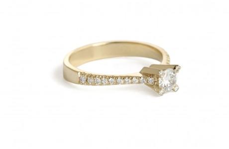 טבעת זהב סוליטר 4 שניים